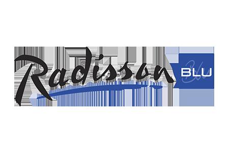 advertizers_0006_radissonblu_logo